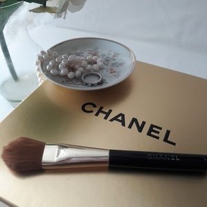 Chanel Foundation Brush #16